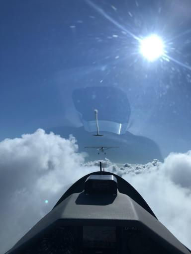 06  Early tow above the clouds, Pieter Daems