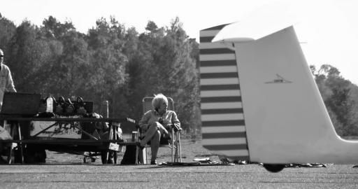 082  Sunny flying day starring Vera
