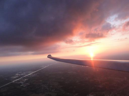66  Nice sunset after 680km of flight